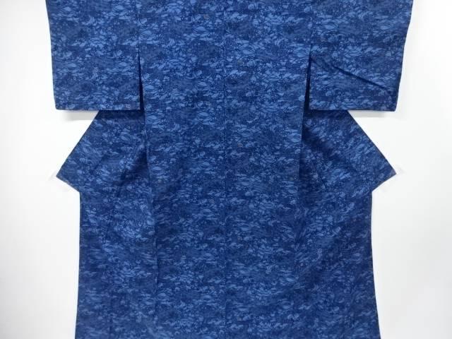 【IDnet】 未使用品 仕立て上がり 本場琉球藍型柴垣に菊・笹模様手織り節紬単衣着物【着】