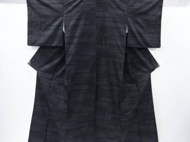 【IDnet】 観世水に水玉模様織り出し本場泥大島紬着物(7マルキ)【リサイクル】【中古】【着】