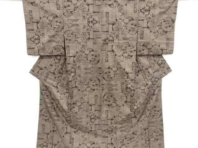 【IDnet】 幾何学に花古典柄織り出し本場泥大島紬着物(5マルキ)【リサイクル】【中古】【着】