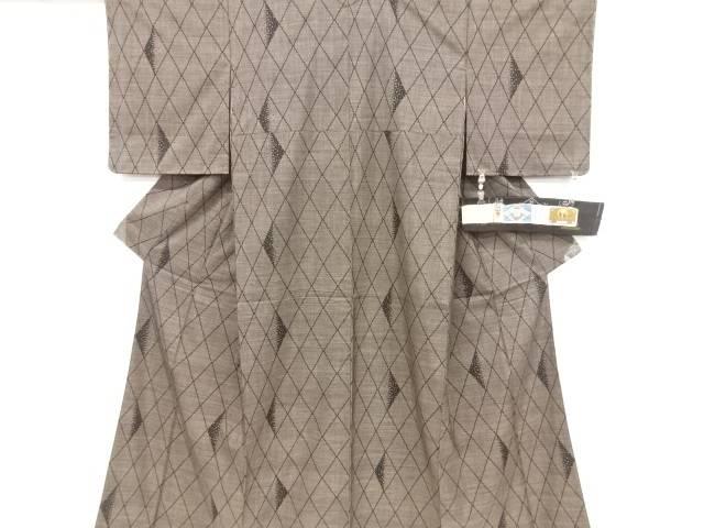 【IDnet】 未使用品 仕立て上がり 斜め格子模様織り出し本場泥大島紬着物(5マルキ)【着】