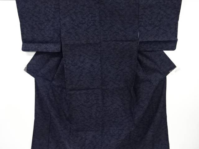 【IDnet】 重要無形文化財本場結城紬80亀甲ヱ霞模様織り出し着物【リサイクル】【中古】【着】