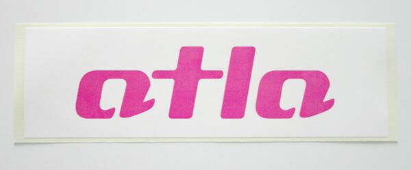 AtlaGirlsロゴステッカー ステッカー シール スノーボードステッカー ロゴステッカー ピンク 桃色 シンプル アトラガールズ アクセサリー