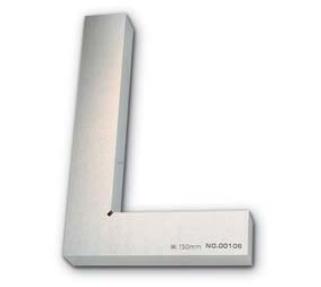 新潟精機 SK 測定工具 HDD-100 003503 DD型焼入厚形スコヤ