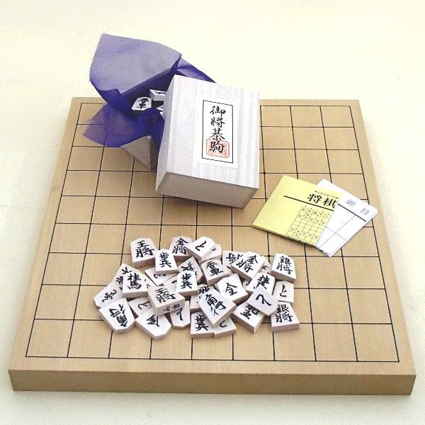 数量限定特別価格9920円→9424円  将棋セット 新かや1寸卓上接合将棋盤竹と白椿上彫駒のセット(セール)