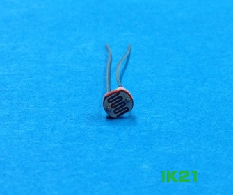 人気の定番 セール特価 光センサ CDSセル ノーブランド 〓 明抵抗:10k~20kΩ 販売単位:1個〓 暗抵抗:1MΩ 10Lux時 5mmタイプ