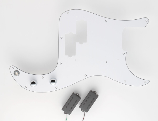 "DiMarzio Pre-Wired P Bass Replacement Pickguards ""Split P set (FB2100WA2BK)"" 【安心の正規輸入品】"