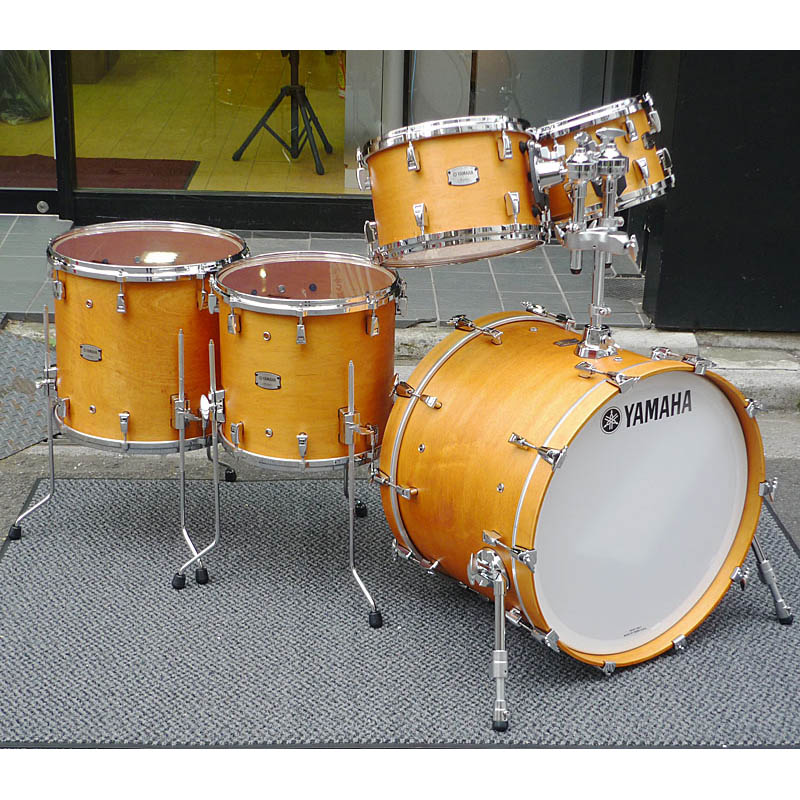 YAMAHA Absolute Hybrid Maple 5pc Drum Set [AMP6F3/AMB2216/AMF1413] [BD22、FT16&14、TT12&10]
