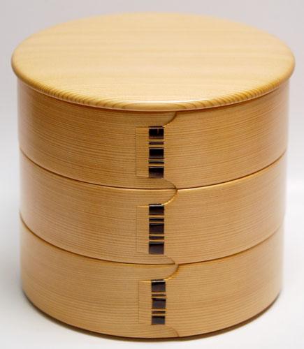【送料無料】重箱(お重) 三段重ね 栗久 丸三段重 総木目 小(栗盛俊二作)国産重箱