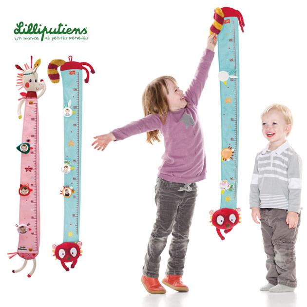 格安SALEスタート 50~140cmくらいの身長が計れる布製の身長計 メモリ部分に写真が入れられるので 成長の記録を残すことができます Lilliputiens リリピュション ウォールメジャー 身長計 ギフト プレゼント 卓出 キッズ 壁掛け