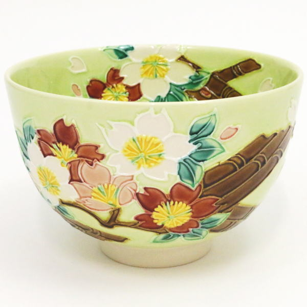 【茶器/茶道具 抹茶茶碗】 萌黄交趾焼き 花筏(桜に筏) 山本一如作