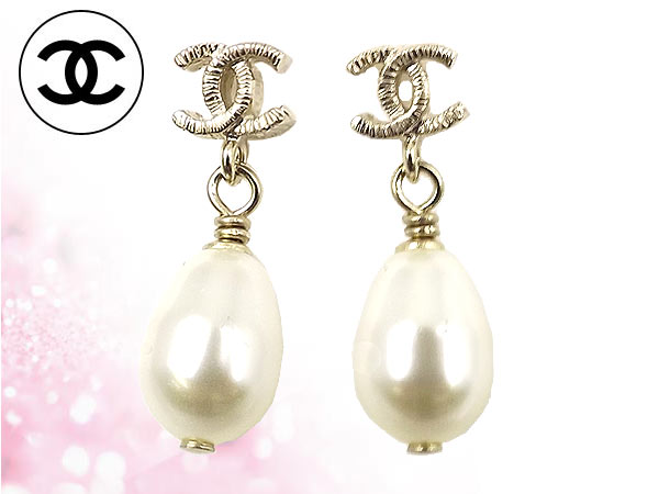 Chanel Accessories Earrings A61016 Gold Cc Tear Drop Pearl Las