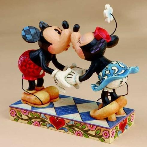 ジムショア ミッキーとミニー ぼくの恋人にキスするよ 結婚祝いにおすすめ ディズニー 4013989 Smooch For My Sweetie-Mickey Kissing Minnie Figurine JimShore □