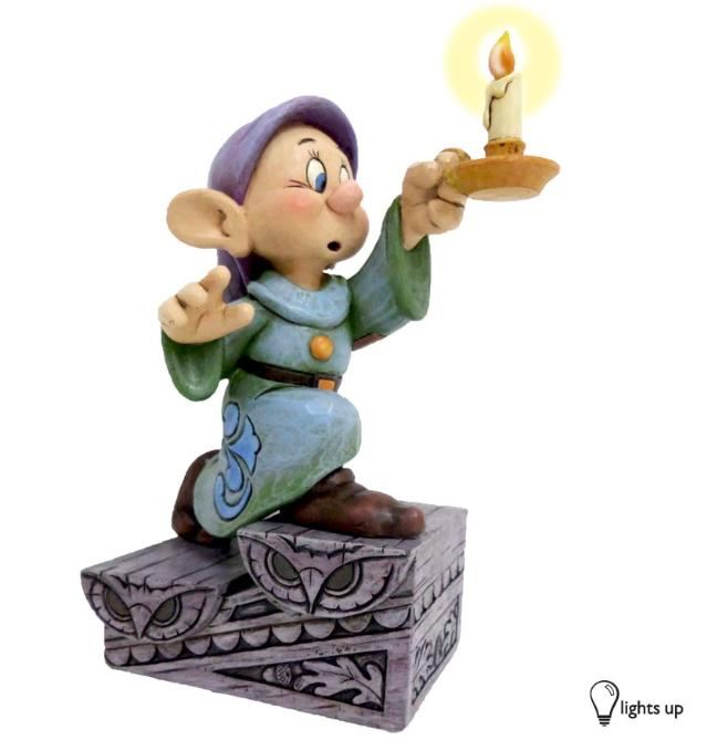 ジムショア おとぼけ ドーピー とろうそく 暗闇の明かり 白雪姫と7人の小人 ディズニー 4043642 A Light In The Dark-Dopey With Light Up Candle Stick Figurine JimShore 【ポイント最大42倍!お買物マラソン】