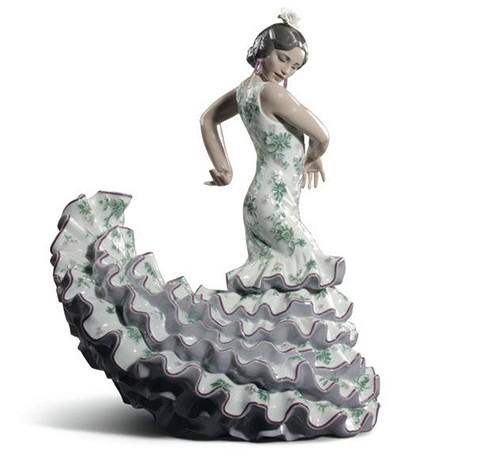 リヤドロ フラメンコの炎 女性 グリーン パープル 8766 LLADRO FLAMENCO FLAIR GREEN PURPLE □