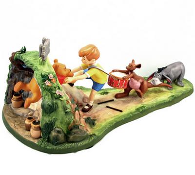 【ポイント最大43倍!お買物マラソン】WDCC くまのプーさん 1200945 Winnie the Pooh Hooray, For Pooh Will Soon Be Free