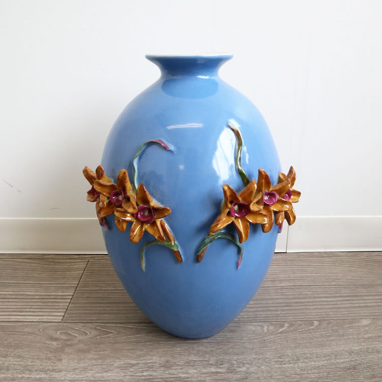 花瓶 フラワーベース 陶器 ブルー 青 花柄 ラン 蘭 おしゃれ お祝い 壺 丸形 高級 生け花 ギフト 玄関 リビング デザイン オブジェ 和室 洋室 ロビー エントランス