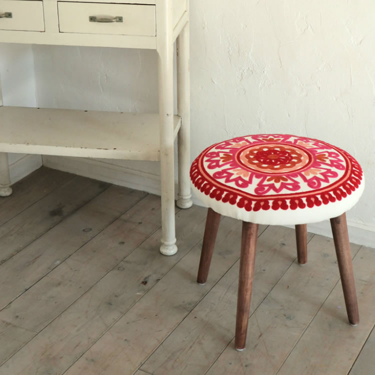スツール おしゃれ 北欧 子供 小さい 定番 人気 低め 丸椅子 ラウンド かわいい 椅子 ピンク 丸形 子供部屋 引っ越し