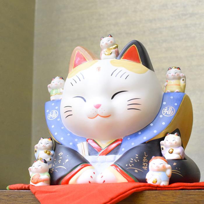 薬師窯 彩絵七福神 福助招き猫 7号 置き物 お祝い 開店祝い ギフト プレゼント まねきねこ 幸運 和風 和服 7539