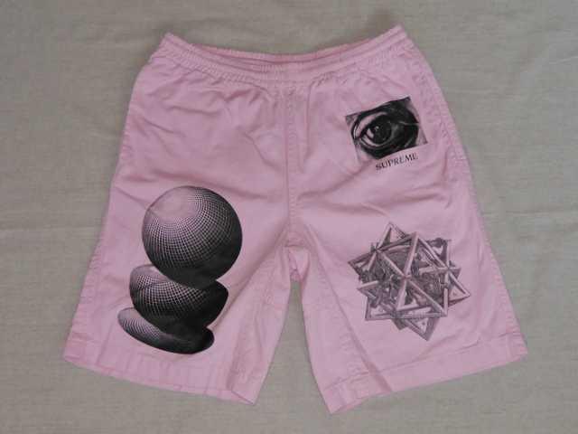 SUPREME(シュプリーム)×M.C. Escher(M.C.エッシャー) Tシャツ Short Pants( ショートパンツ ハーフパンツ ショーツ) Pink(ピンク) 2017年春夏モデル(2017SS) Sサイズ トロンプルイユ(だまし絵トロンプ・ルイユ)【中古】