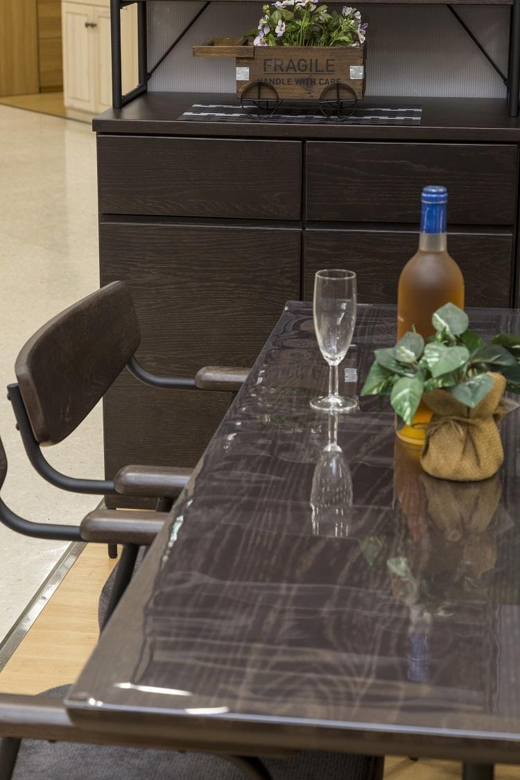 透明マット テーブル 透明 デスクマット 透明テーブルマット 日本製 1m/m 定型サイズ約800×約1350mm キズ防止 汚れ防止 ビニールマット テーブルクロス