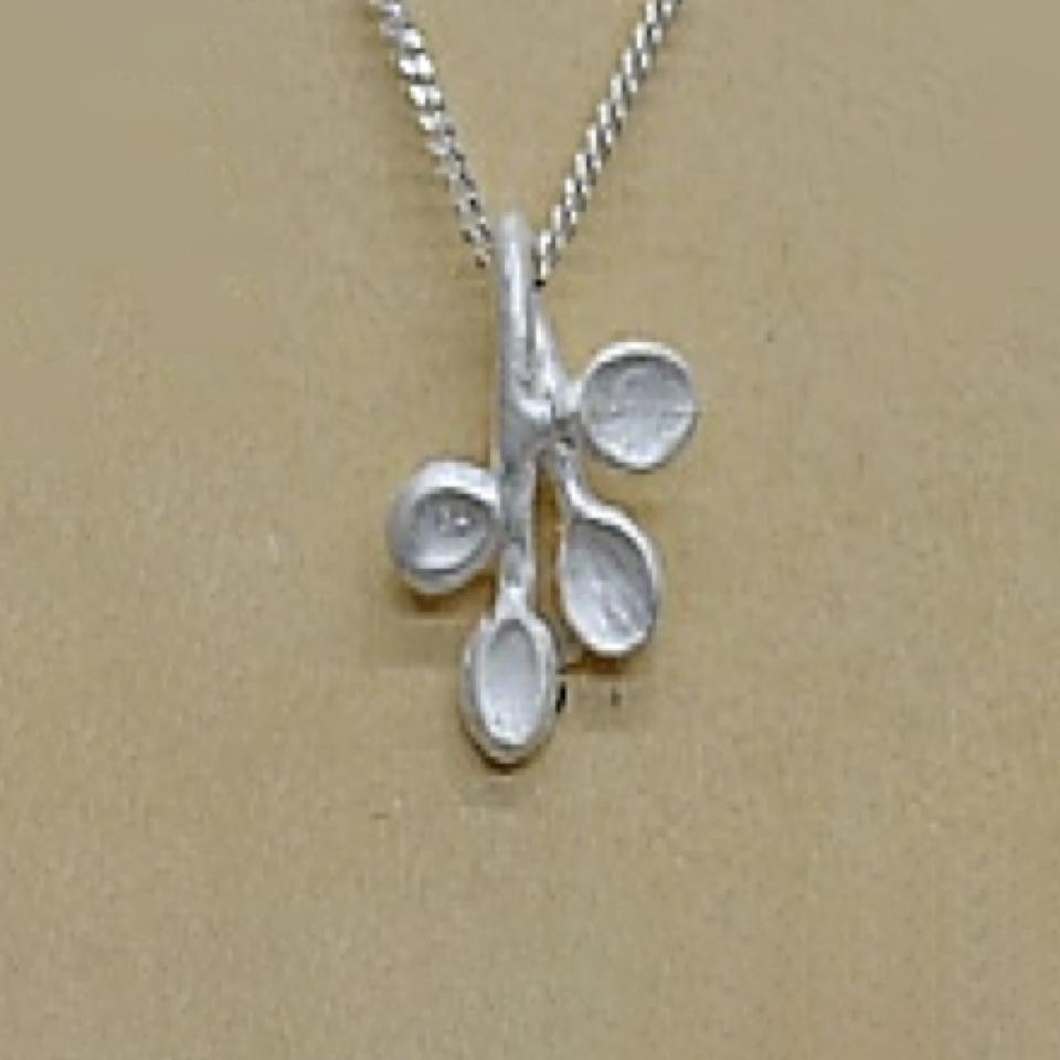 【受注制作】 代引き不可 K.kaju/ケイ・カジュ オリーフ (necklace)(全長40cm)