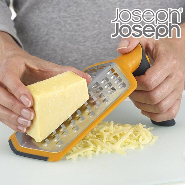 持ち手を折り曲げてしっかり固定 軽い力でおろせる Joseph ジョゼフジョゼフ ツイストグレーター エキストラコアース リボン 格安 おろし金 期間限定今なら送料無料 グレーター キッチンツール 下ろし器 カバー付き 調理器具 チーズおろし 食洗機対応 調理用小物 おろし器 キッチン用品 39ショップ 下ろし金