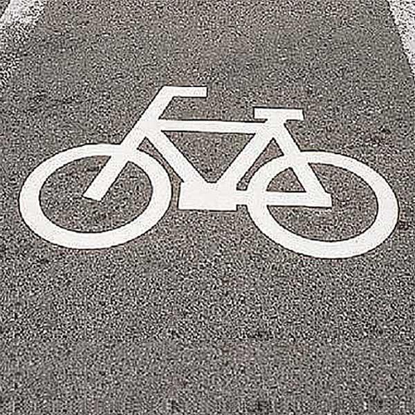路面標示 サインマーク テープ 「 自転車マーク 」 RHM-3 反射 日本製 ( 送料無料 路面用 標識 路面 表示 標示 路面用標識 道路 反射タイプ 自転車 マーク サイン 注意喚起 テープ付き 安全用品 )【5000円以上送料無料】