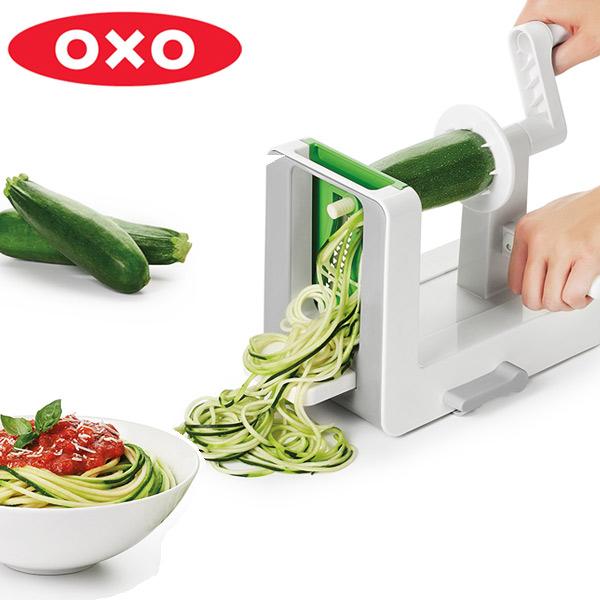 くるくる回して野菜をパスタに ヘルシー料理を手軽に楽しめる OXO オクソー テーブルトップ ベジヌードルカッター 送料無料 野菜 ベジヌードルスライサー 野菜ヌードルカッター ベジヌードル 野菜パスタ 野菜スライサー 39ショップ お気にいる パスタ 野菜パスタスライサー テレビで話題
