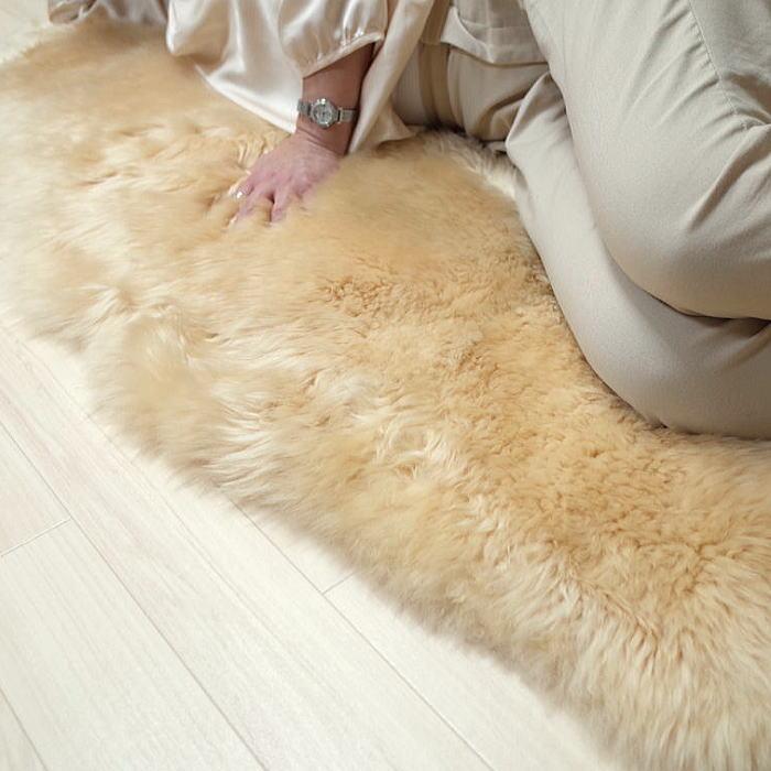 ムートンフリース 2匹 約60×180cm原皮:オーストラリア 長毛 裏無し あったかムートン【あす楽対応】