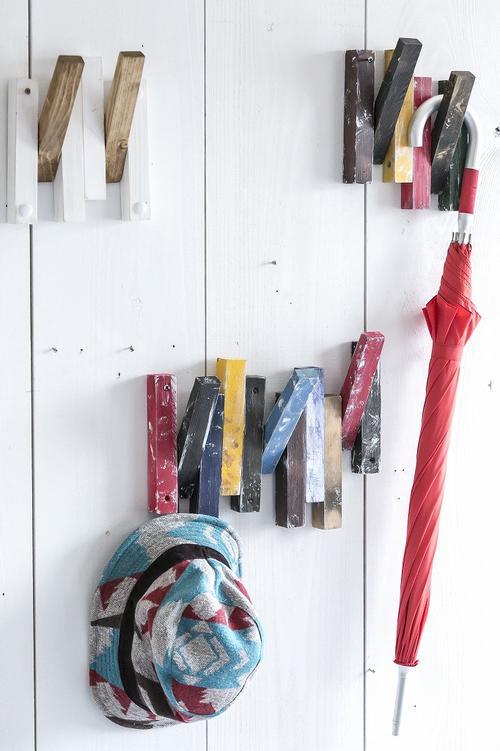フック2個 取り付けハンガー 取り付けフック 壁掛けハンガー 壁掛けフック オブジェ カラフル ナチュラル 木製ハンガー 手作りハンガー 木製フック 手作りフック