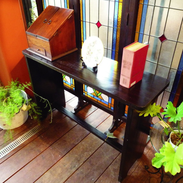 ジャービス商事 ウェイティングテーブル W1100×H750×D350 36326