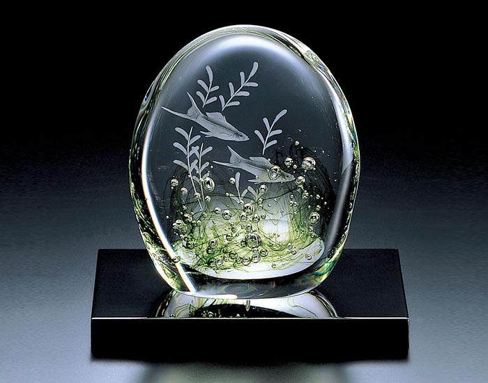 【カガミクリスタル】 【グラヴィール彫刻】 置物 アクアリウム〈レッドソードテール〉