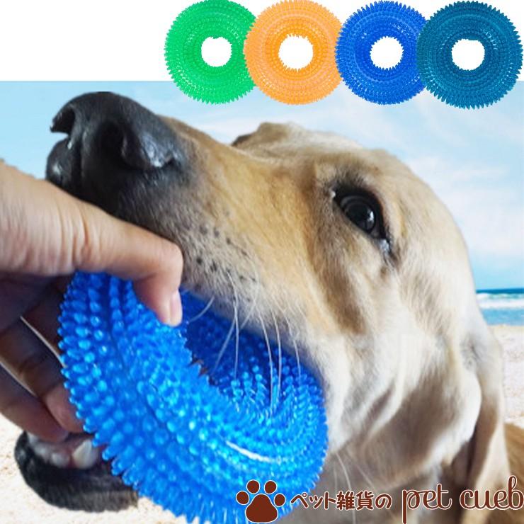 噛むとピーピー音が鳴る シンプルなデザインなので使い易い ペットちゃんと楽しいひと時を デイリーランキング1位受賞商品 定形外送料無料 カラー選択不可 音が鳴る輪っかのおもちゃ S Mサイズ ペット おもちゃ ボール リング 輪 中型犬 人気 数量は多 犬 ピコピコ 音鳴り 玩具 大型犬 かわいい 柴犬 小型犬 TOY 秀逸 チワワ 猫 トイプードル