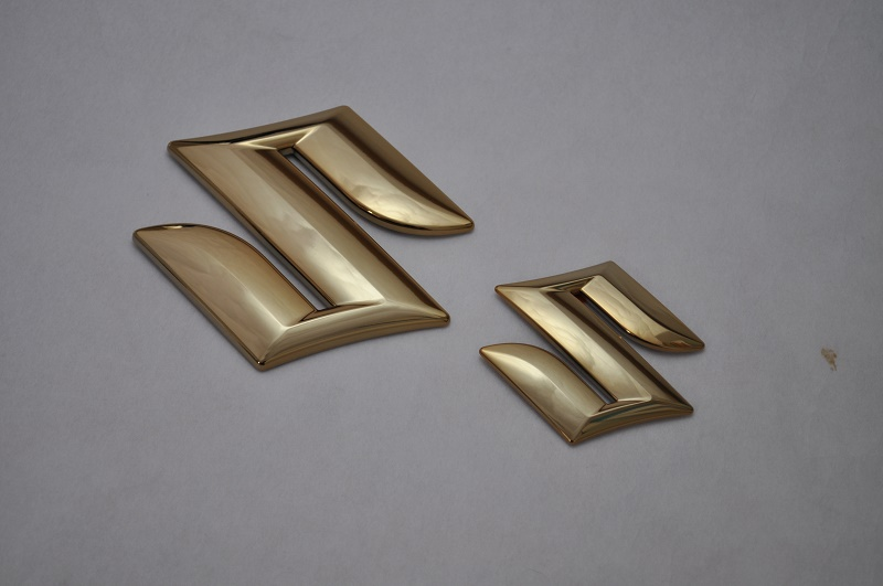 YE21S エスクード(4WD) ゴールドメッキエンブレムリア3点セット  純正/メッキ/カラーメッキ/セット/単品/車/車パーツ/カーパーツ/高品質/送料無料