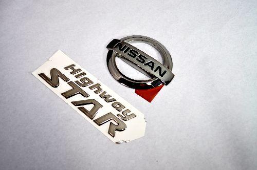 E52エルグランド ブラックメッキエンブレムリア2点  純正/メッキ/カラーメッキ/セット/単品/車/車パーツ/カーパーツ/高品質/送料無料