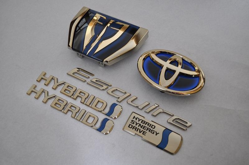 ZWR80 エスクァイアハイブリッド ゴールドエンブレム6点SET  純正/メッキ/カラーメッキ/セット/単品/車/車パーツ/カーパーツ/高品質/送料無料