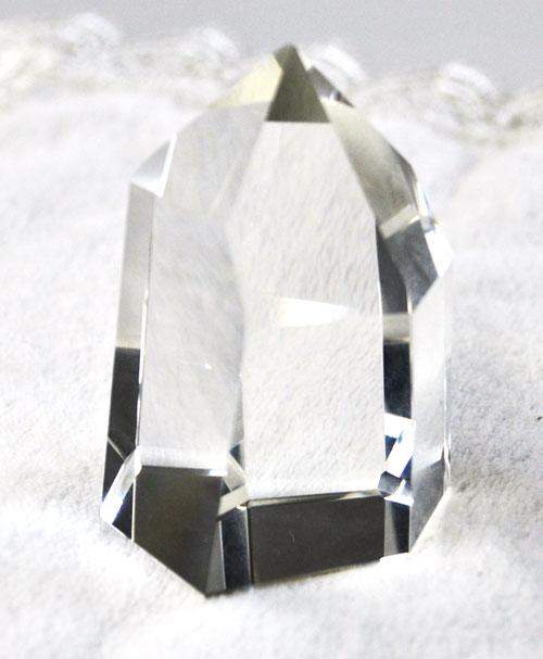 ブラジル産天然 水晶六角錐柱  103.6g 無傷