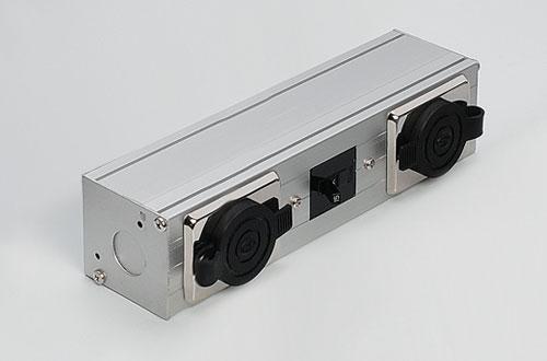 DNライティング BB320MG 組込みコンセントボックス