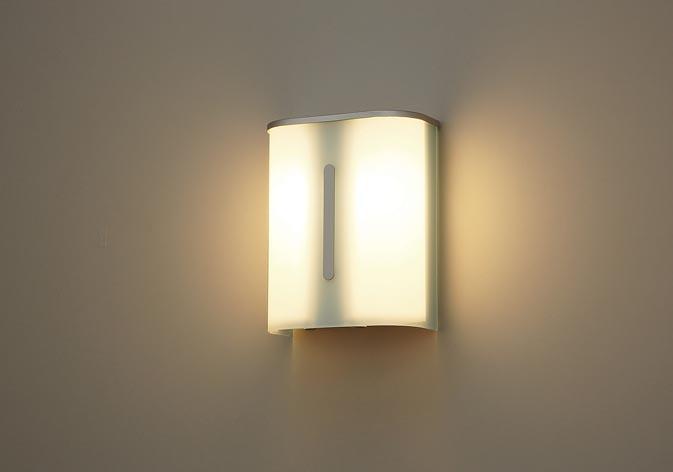 NWCF59191 付与 パナソニック 壁直付型 LED 電球色 リモコン自己点検機能付 防雨型 階段通路誘導灯 30分間タイプ 自己点検スイッチ付 おしゃれ
