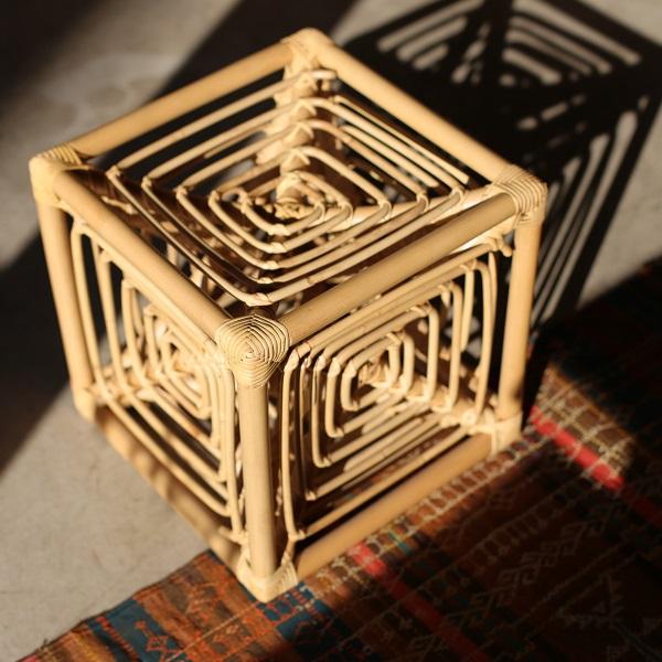 岡本太郎 TARO OKAMOTO サイコロ椅子 籐製スツール GLOCAL STANDARD PRODUCTS グローカルスタンダードプロダクツ【送料無料】