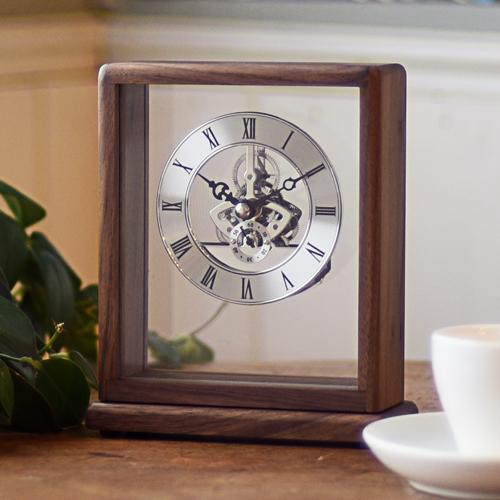 クーポン発行中 在庫限り時計 置時計 銀の時計 父の日 天然木 ウォールナット スケルトンクロック シルバー インテリア 社長室 応接室 書斎 ギフト 敬老の日 記念日 周年記念 企業 法人 記念品 853-S100