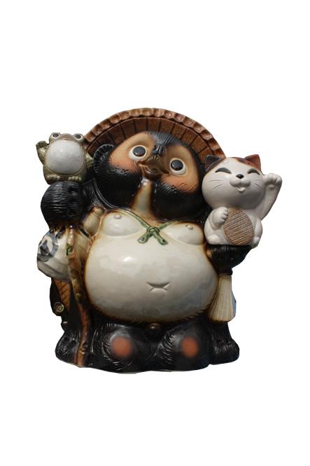 招き猫・蛙付狸13号 信楽焼 たぬき 陶器 狸 置物 タヌキ 彩り屋