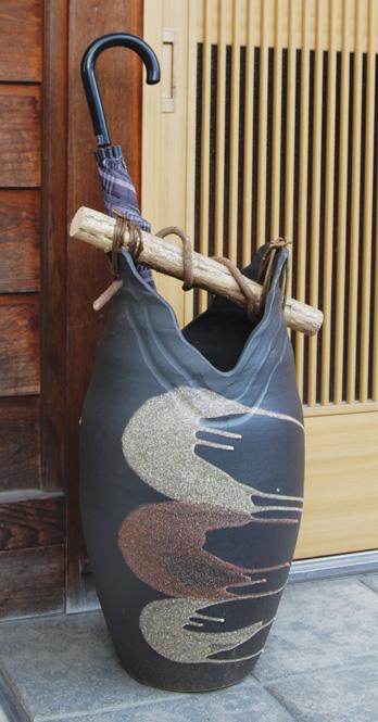 傘立て 陶器 信楽焼 黒陶流し手桶 傘立