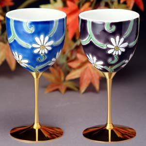 40%OFF 在庫限り 九谷焼 ペアワインカップ 釉彩花唐草 ワイングラス