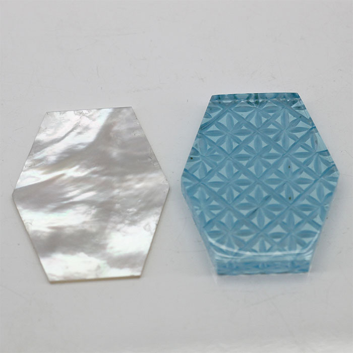 山梨の切子 甲州切子 職人が1点1点手彫りしています ブルートパーズ 白蝶貝 手彫り 2枚組 天然 誕生石 絶品 加工 ルース 可能 直営ストア 宝石 天然石