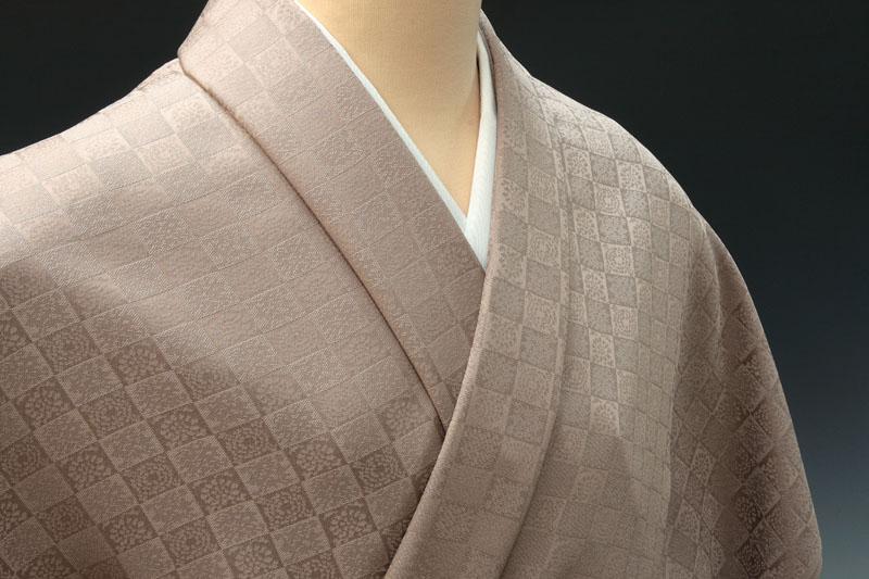 遠州緞子石畳唐花七宝文 日本伝統御裂 梅鼠 色無地
