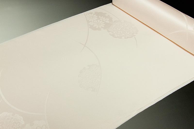 長襦袢丹後綸子雪輪露芝文 無地染め ごく淡い薄紅桜色