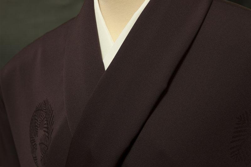 正絹反物 コート・羽織 紋意匠松の丸文 やや赤みの深紫色