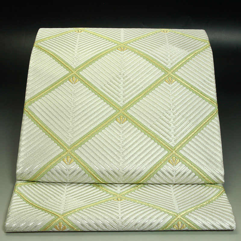 西陣河合美術織物袋帯 能宝格子松菱文
