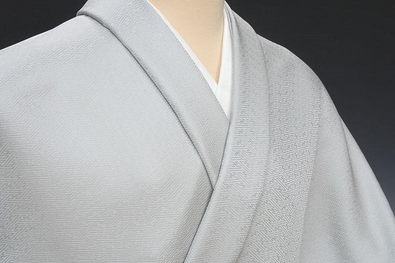 色無地 紗綾形文 銀色(ぎんいろ)
